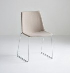 UPHOLSTERED CHAIR AKAMI S